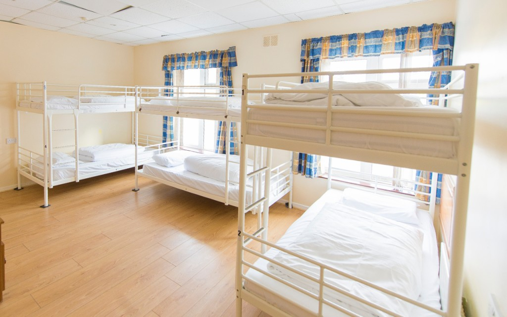 rougey-lodge-mixed-dorm-room